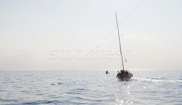 Grego férias recorrer amigos saltando Foto stock © blanaru