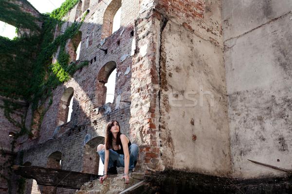 Mover ousadia bela mulher jeans dinâmico Foto stock © blanaru