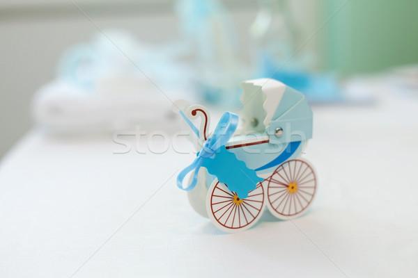Mutlu beklentiler küçük doğum günü hediye Stok fotoğraf © blanaru