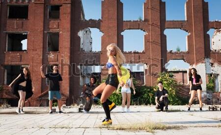 энергичный молодые хип-хоп улице танцовщицы молодые люди Сток-фото © blanaru