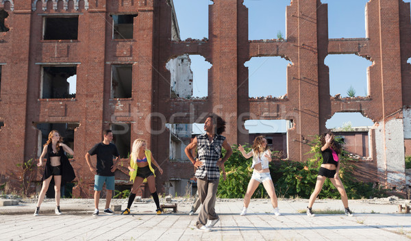 Сток-фото: энергичный · молодые · хип-хоп · улице · танцовщицы · афроамериканец