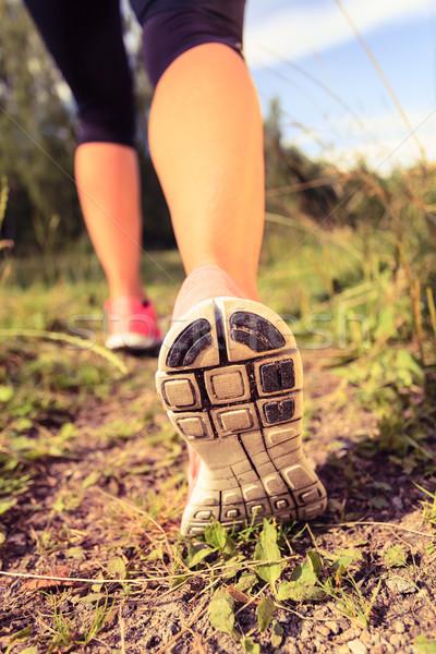 Sétál futócipők erdő kaland testmozgás fut Stock fotó © blasbike