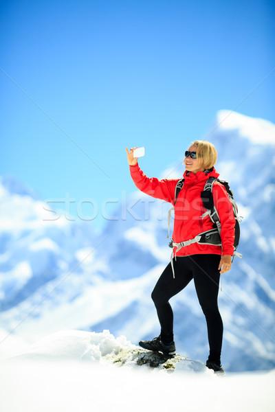 Kadın dağlar genç mutlu uzun yürüyüşe çıkan kimse Stok fotoğraf © blasbike