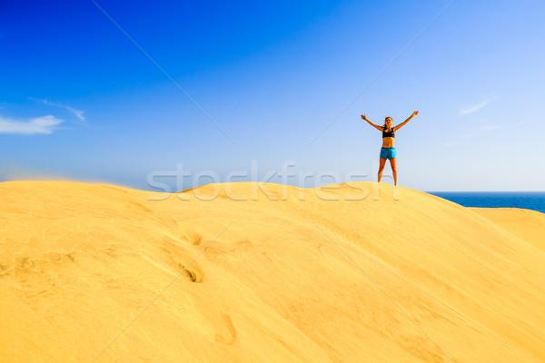 Runner успех песчаный пляж бизнеса красивой Сток-фото © blasbike