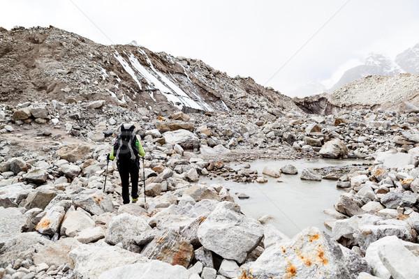 Stok fotoğraf: Kadın · yürüyüş · dağlar · iz · uzun · yürüyüşe · çıkan · kimse