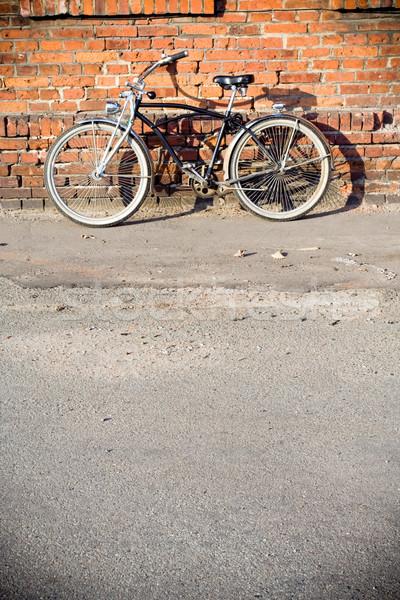 市 自転車 クルーザー レトロな レンガの壁 道路 ストックフォト © blasbike