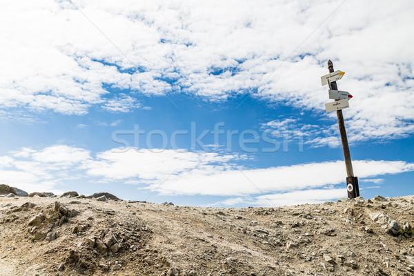 Sentier signe élevé montagne Photo stock © blasbike