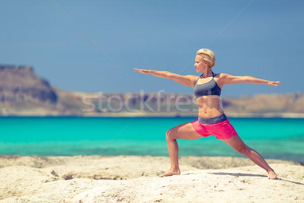 ヨガのポーズ フィット 女性 行使 ビーチ 山 ストックフォト © blasbike