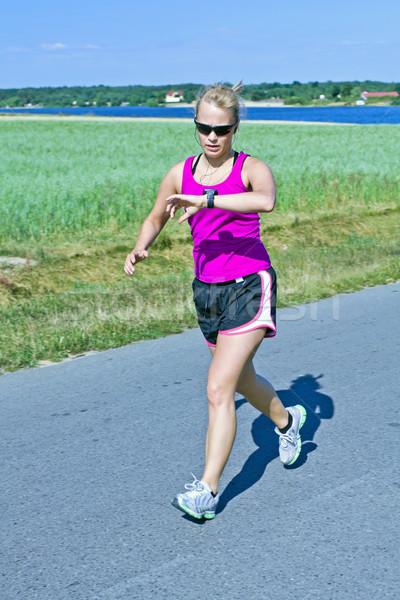 Corrida mulher verão estrada rural feliz paisagem Foto stock © blasbike