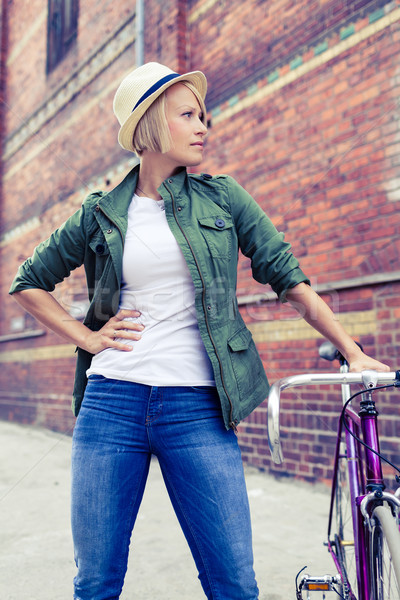 Hipszter nő klasszikus út bicikli figyelmeztetés Stock fotó © blasbike