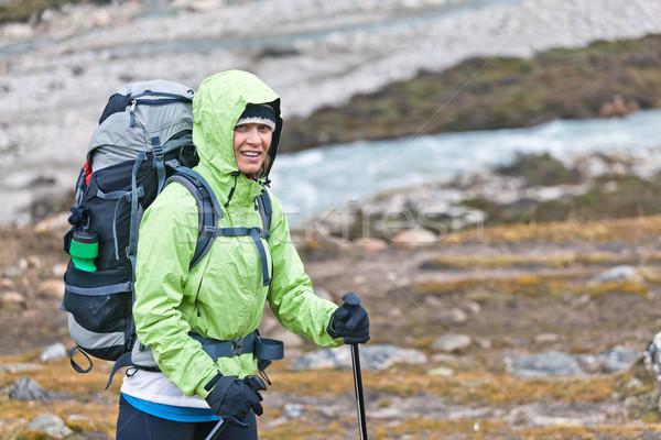 Stockfoto: Vrouw · wandelen · bergen · jonge · vrouw · wandelaar