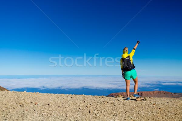 Foto d'archivio: Donna · escursioni · successo · montagna · top · di · successo