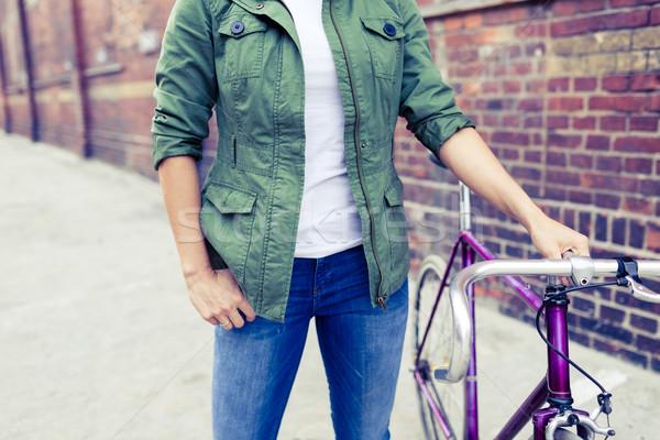 Mujer vintage carretera moto ciudad Foto stock © blasbike