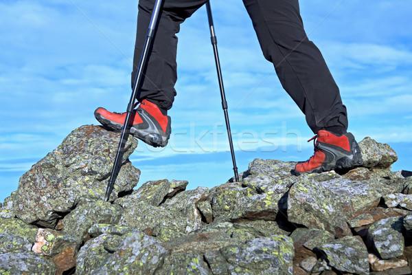 Caminhadas pernas montanhas caminhada outono Foto stock © blasbike