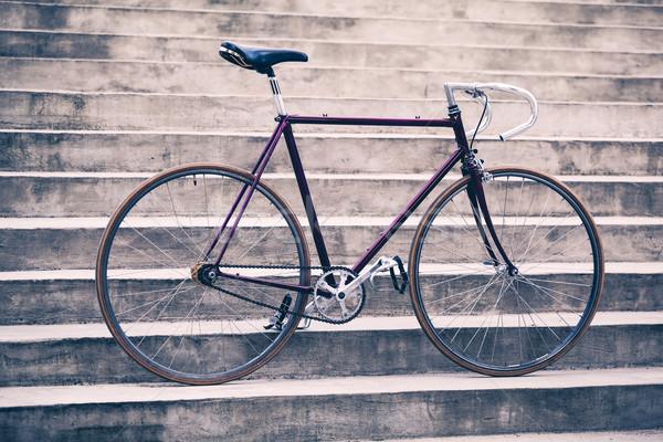 Estrada retro bicicleta concreto escada cena urbana Foto stock © blasbike