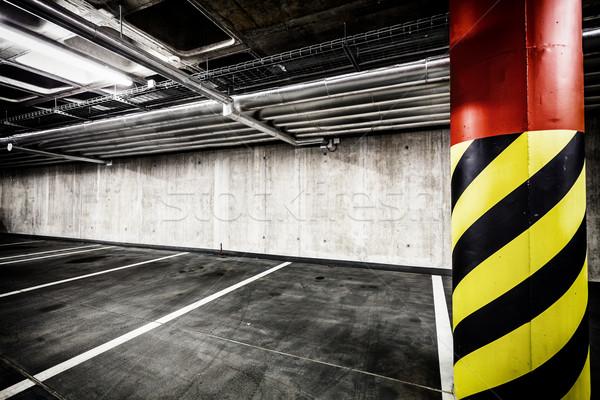 Concretas pared subterráneo aparcamiento garaje interior Foto stock © blasbike