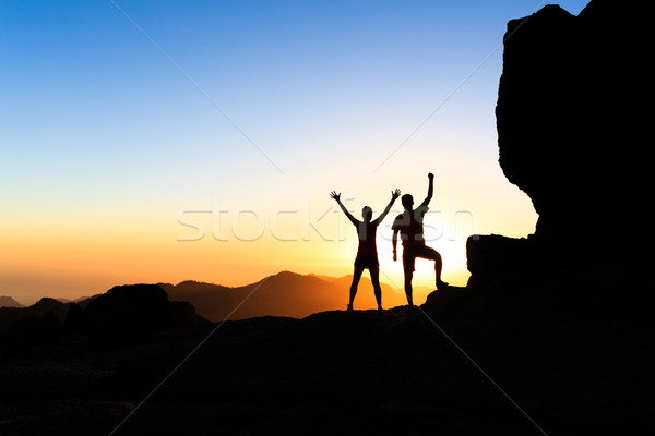 Stok fotoğraf: çift · hikers · başarı · dağlar · adam · kadın