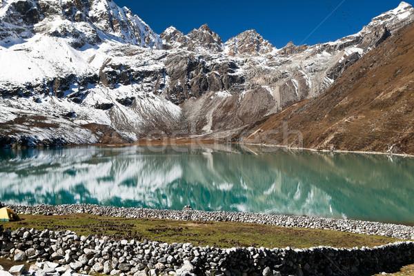 Himalája tájkép Nepál tó Himalája hegyek Stock fotó © blasbike