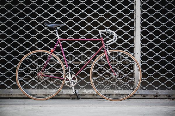 город велосипед гаража двери Vintage стиль Сток-фото © blasbike