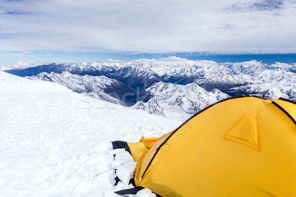 Camping cáucaso montanhas paisagem expedição tenda Foto stock © blasbike
