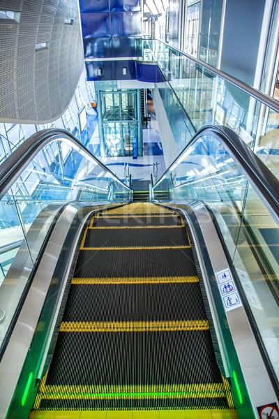 Automatikus lépcsősor Dubai metró állomás modern Stock fotó © bloodua
