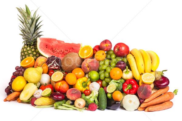 Hatalmas csoport friss zöldségek gyümölcsök izolált fehér Stock fotó © bloodua