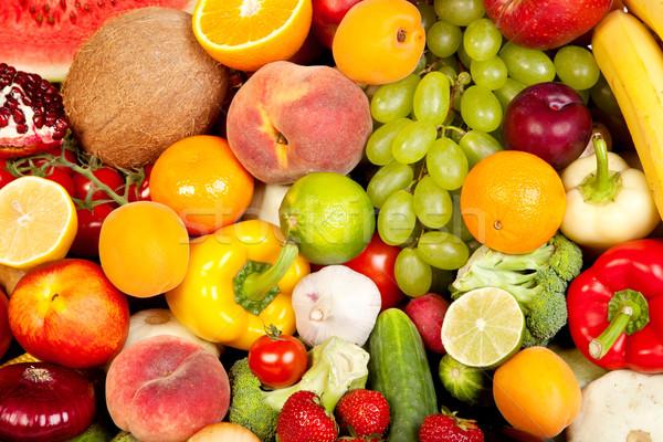 Ogromny grupy świeże warzywa owoce odizolowany biały Zdjęcia stock © bloodua