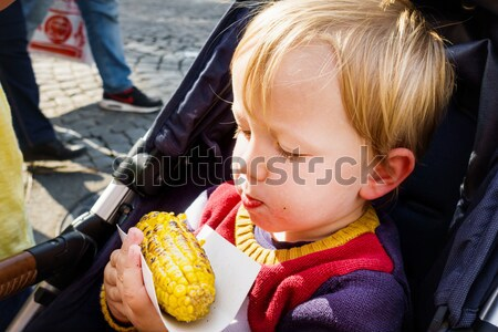 портрет мальчика еды Sweet продовольствие Сток-фото © bmonteny