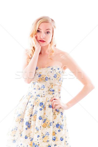 Gyönyörű fiatal nő áll kéz csípő portré Stock fotó © bmonteny