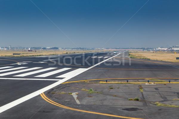 Zebra kifutópálya repülőtér gyakornok nemzetközi Mexikóváros Stock fotó © bmonteny