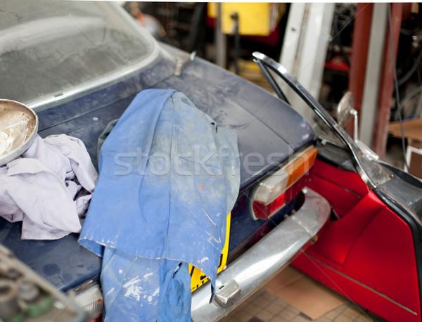 Stary samochód garaż drzwi metal tkaniny fotografii Zdjęcia stock © bmonteny