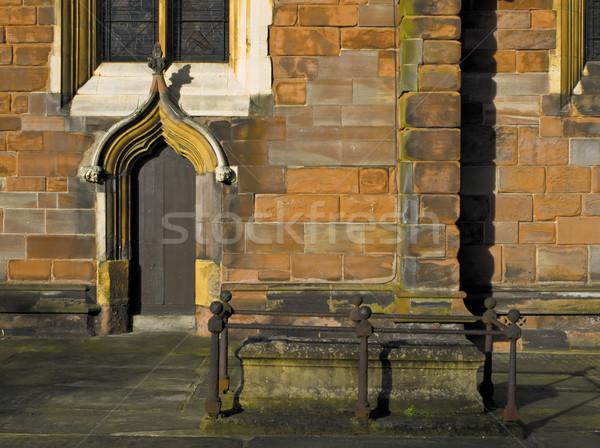 оранжевый кирпичных Церкви серьезную дверной проем Сток-фото © bobbigmac