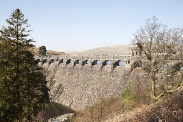 út völgy Wales égbolt víz híd Stock fotó © bobhackett