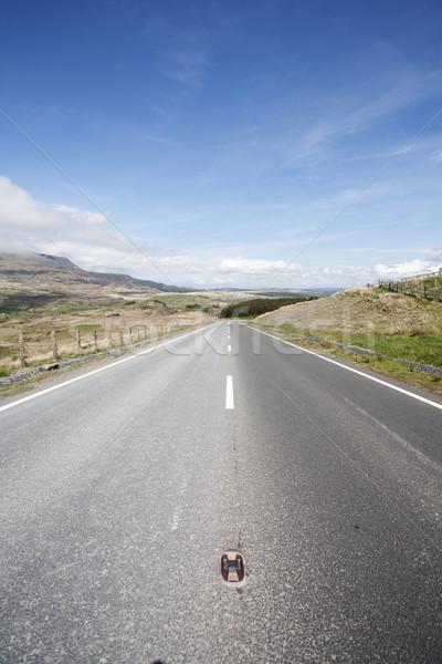 Open weg lege wolken landschap Stockfoto © bobhackett