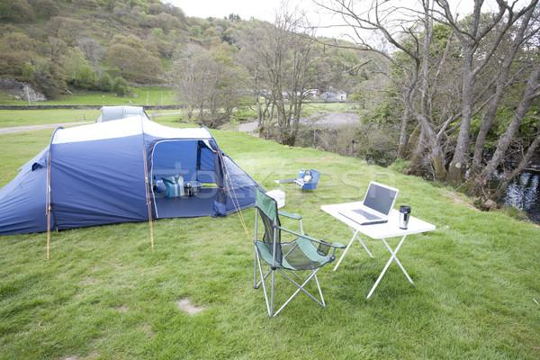 Camping kantoor laptop computer tabel tent outdoor Stockfoto © bobhackett