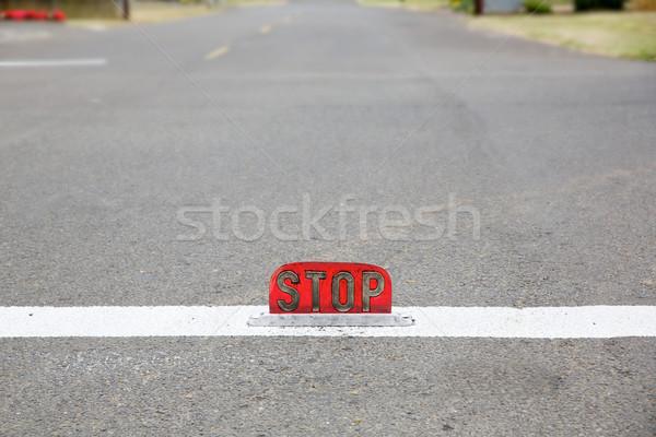 古い スタイル 通り レベル 一時停止の標識 ストックフォト © bobkeenan