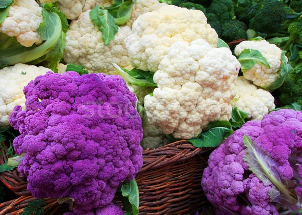 белый Purple цветная капуста соломы корзины Фермеры Сток-фото © bobkeenan