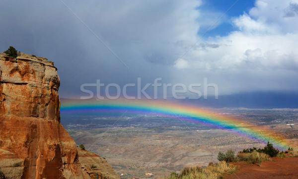 Tęczy skrzyżowanie jasne Colorado niebo chmury Zdjęcia stock © bobkeenan