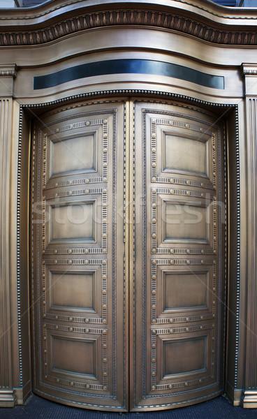 Groot messing bank deuren omhoog sluiten Stockfoto © bobkeenan