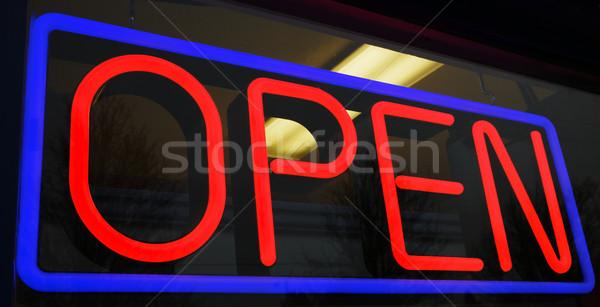 Foto d'archivio: Neon · rosso · blu · store · interni