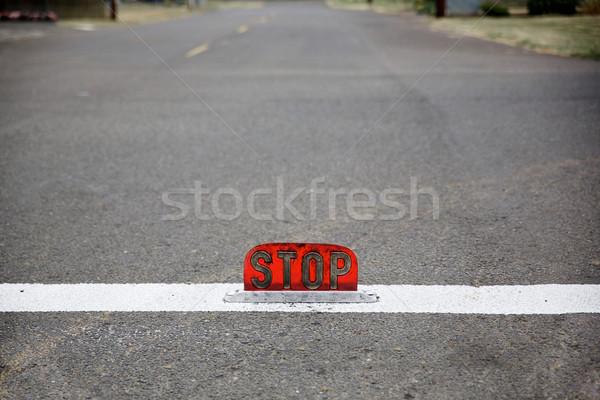 старые стиль улице уровень знак остановки мелкий Сток-фото © bobkeenan