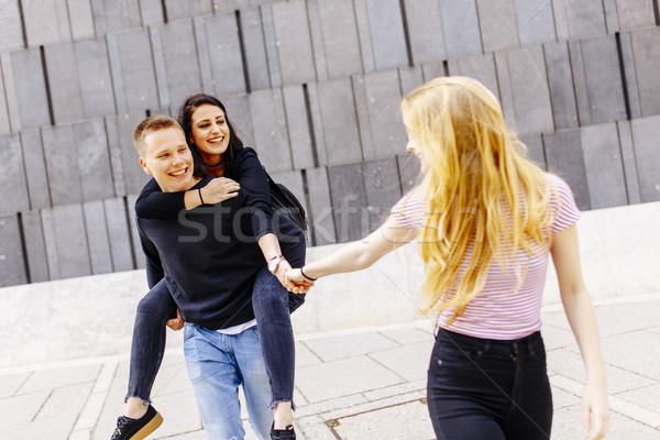 Jeunes élèves extérieur urbaine femmes Photo stock © boggy