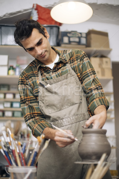 Jonge man aardewerk workshop kunst werken Stockfoto © boggy