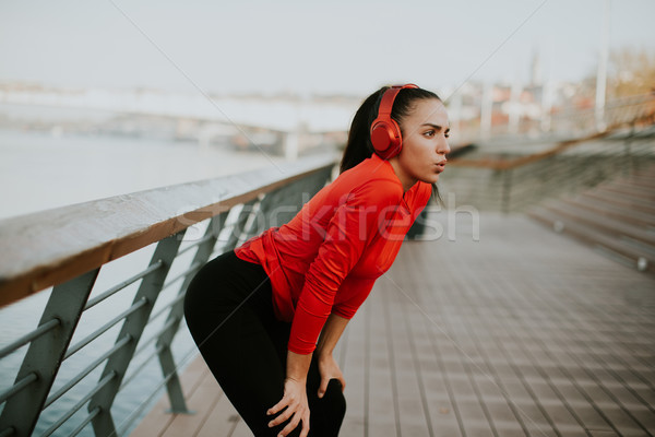 Stockfoto: Jonge · vrouw · promenade · lopen · ochtend · stad · sport