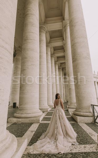 довольно молодые невеста подвенечное платье Ватикан здании Сток-фото © boggy