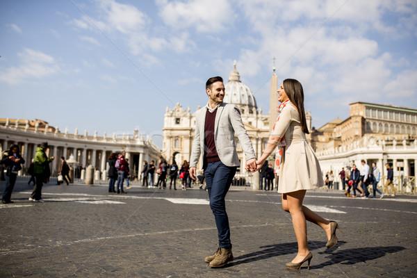 Szerető pár Vatikán Olaszország szeretet város Stock fotó © boggy