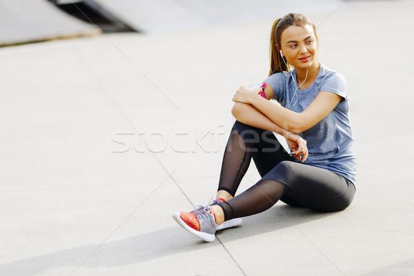 Stock fotó: Fiatal · nő · testmozgás · kint · csinos · fitnessz · nyár