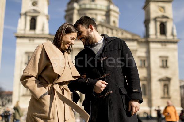 любящий пару Будапешт Венгрия базилика за Сток-фото © boggy