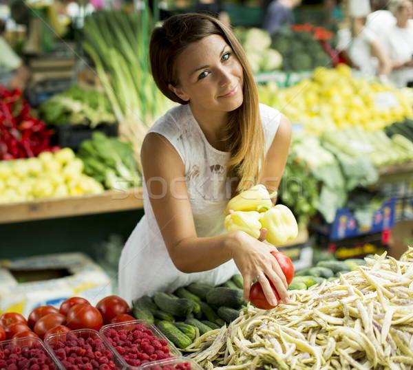 Vista compra hortalizas mercado Foto stock © boggy