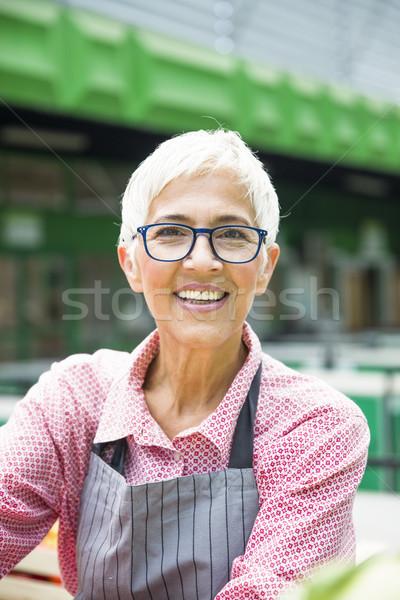 Stockfoto: Portret · senior · vrouw · bril · outdoor